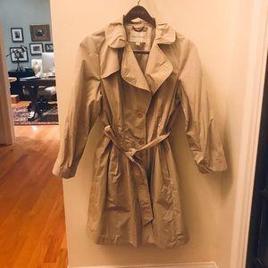 Banana Republic raincoat / trench coat NWOT